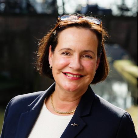 Monique André de la Porte